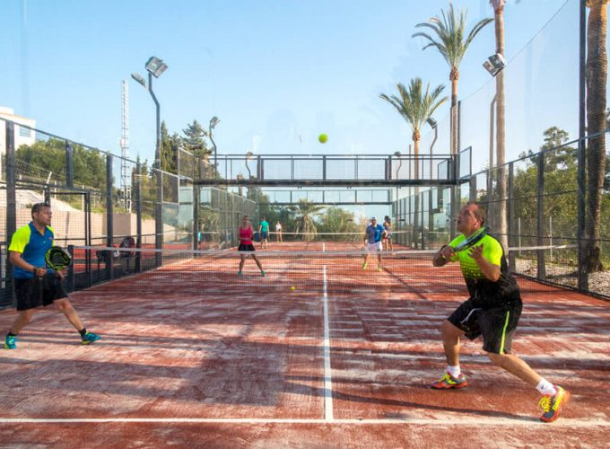 Your complete padel holiday